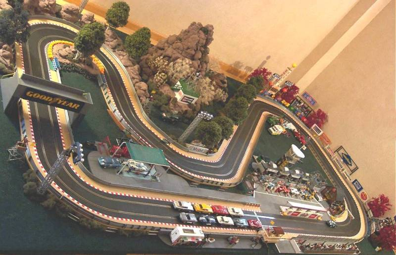 Image gallery track scalextric for House of tracks